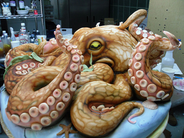 giant-octopus-cake